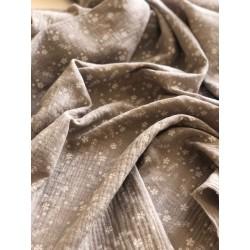 Double gaze de coton motif floral fond taupe x 50cm